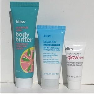 🔝5 for $25!💙NEW! Bliss 3Pc Skincare Set NEW!